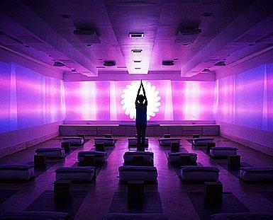 2018/19春夏运动装色彩警报:灵性紫